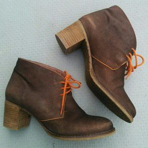 HYLTON Brown leather booties with orange laces 36